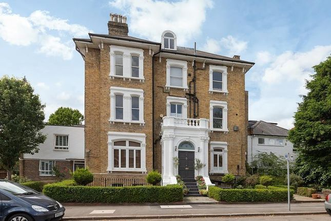 Thumbnail Flat to rent in Lauriston Road, Wimbledon