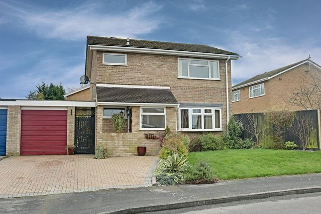Detached house for sale in Foxglove Close, Basingstoke