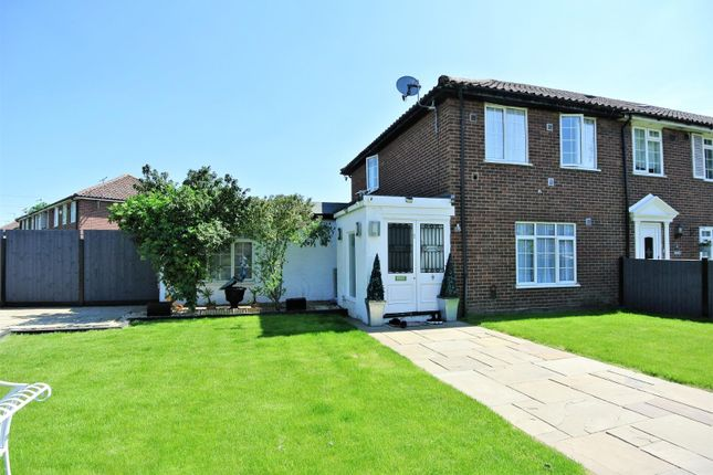 Thumbnail Property for sale in Hithermoor Road, Staines