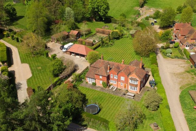 Thumbnail Country house for sale in Blackwell Hall Lane, Latimer