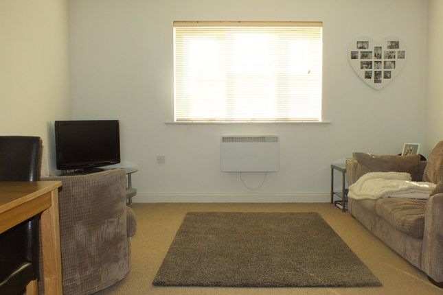 Thumbnail Flat to rent in Horsforde View, Leeds, West Yorkshire
