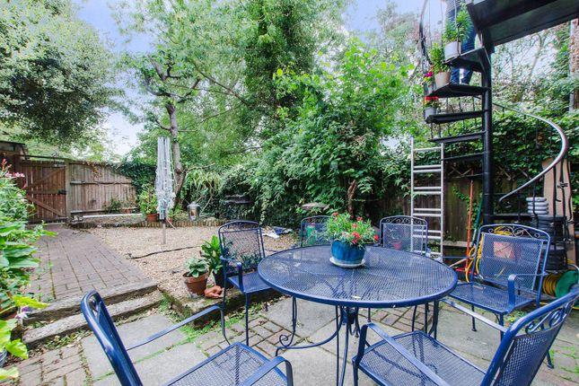 Thumbnail Property for sale in Hatcliffe Close, Blackheath, London