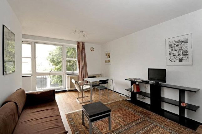 Thumbnail Studio to rent in Kennington Park Road, London