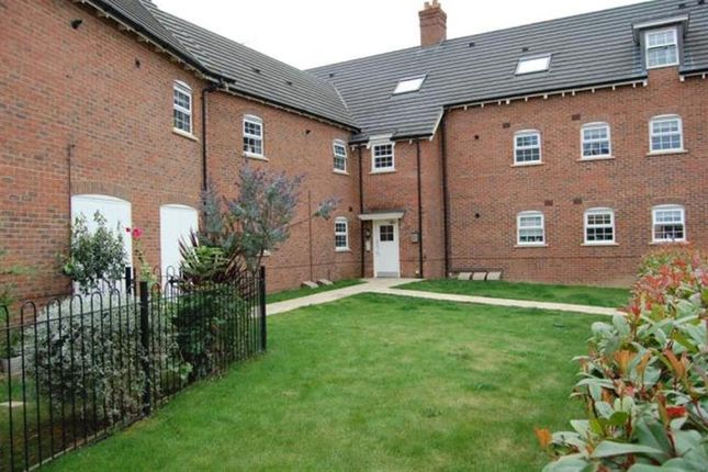 2 bed flat for sale in Red Kite Way, Didcot OX11