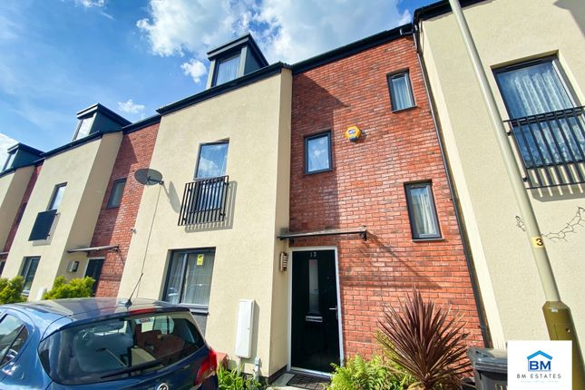4 bed terraced house for sale in Moccasin Avenue, Leicester LE4