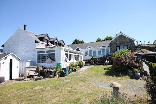 Thumbnail Cottage for sale in Llwyngwril, Llwyngwril