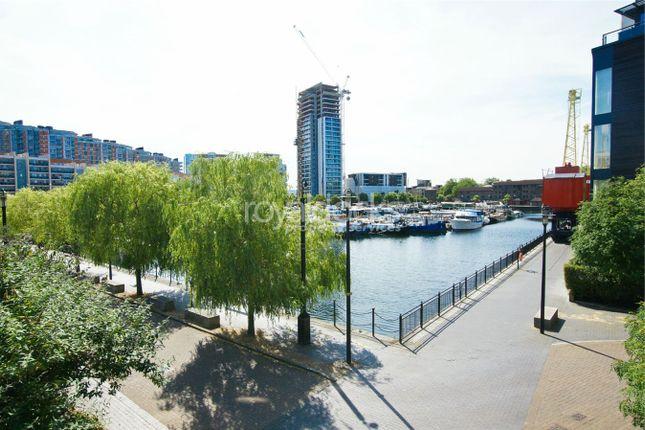 Boardwalk Place, London E14