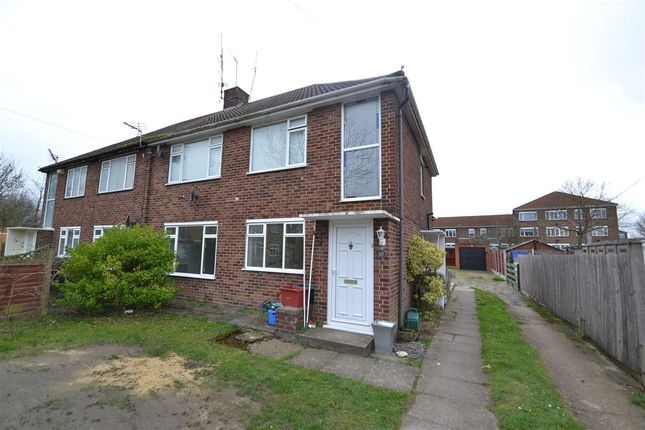 Main Picture of Oak Way, Feltham TW14
