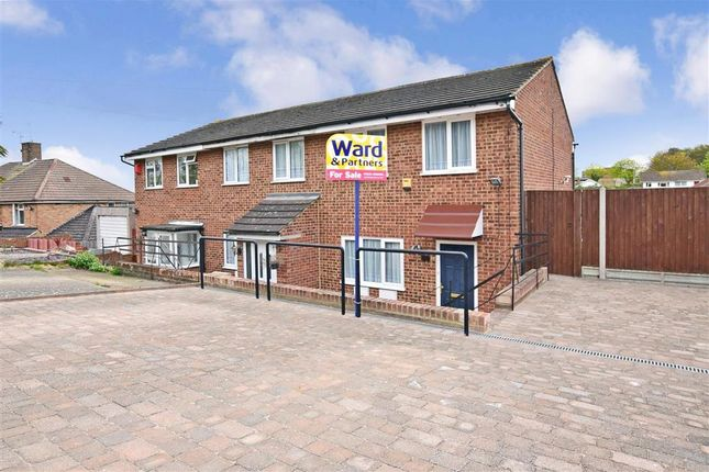 3 bed end terrace house for sale in Maidstone Road, Rochester, Kent