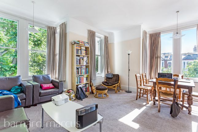 Thumbnail Flat to rent in Beverley Road, Chiswick, London