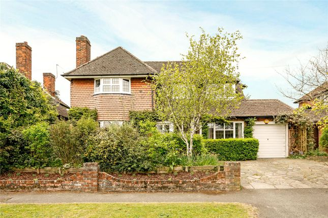Thumbnail Detached house for sale in Manor Way, Chesham, Buckinghamshire