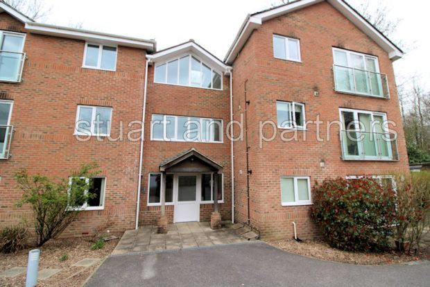 Thumbnail Flat to rent in South Road, Haywards Heath