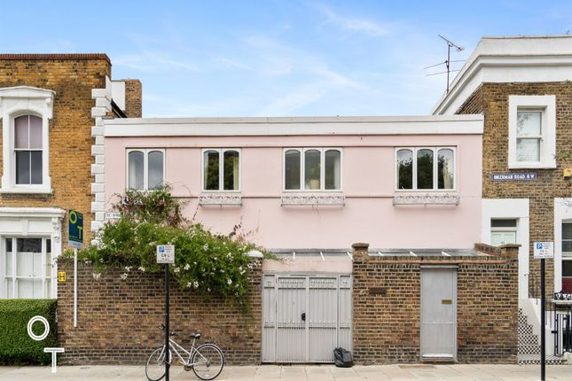 Thumbnail Terraced house for sale in Willes Road, Kentish Town