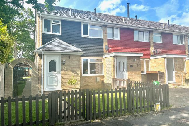 4 bed end terrace house to rent in Kingston Gardens, Fareham, Hampshire PO15