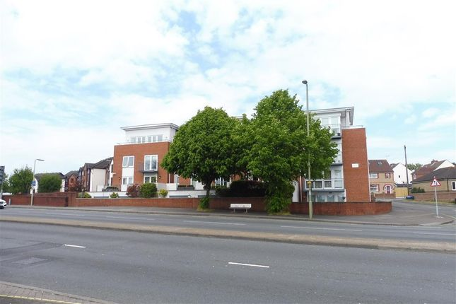 Thumbnail Flat to rent in Elmhurst Road, Fareham