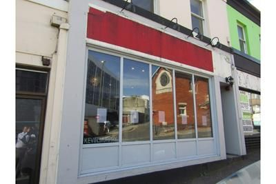 Retail premises to let in 18 Tor Hill Road, Torquay, Devon