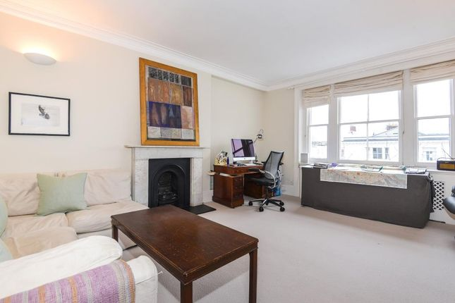 2 bed flat to rent in Palace Gardens Terr W8,