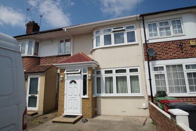 Thumbnail Property to rent in Stanhope Road, Burnham, Slough