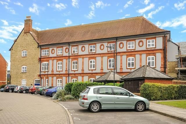 Thumbnail Flat to rent in Morris House, Oxford
