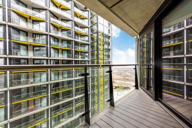 Balcony of 4 Riverlight Quay, Nine Elms Lane, Nine Elms SW11
