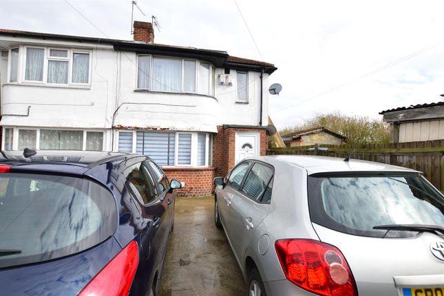Thumbnail Maisonette to rent in Canterbury Avenue, Slough, Berkshire