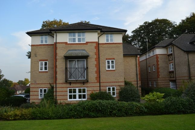 Thumbnail Flat to rent in Balmore Park, Caversham, Reading