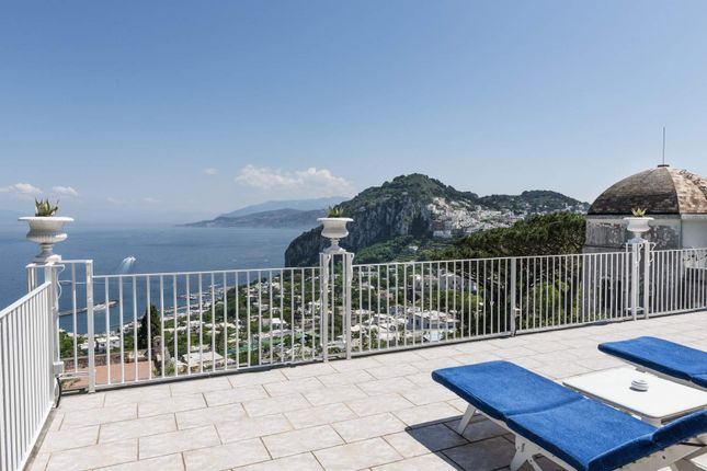 Town house for sale in 80076 Capri, Metropolitan City Of Naples, Italy