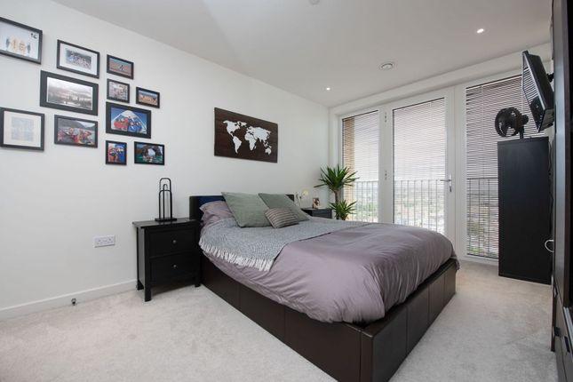 Bedroom of 1 Moorhen Drive, London NW9