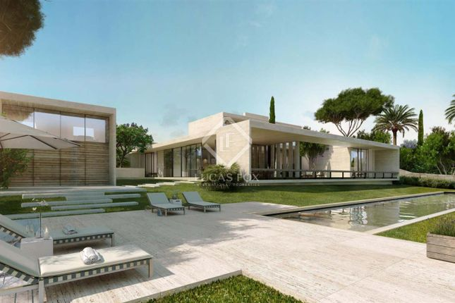 Thumbnail Villa for sale in Spain, Costa Del Sol, Marbella, Estepona, Mrb8623