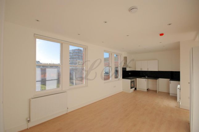 Studio in  High Street  Maidenhead  Reading