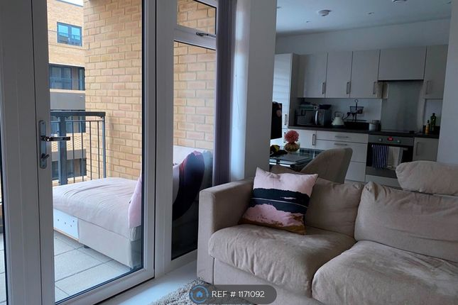 Room to rent in Chambray House, Wallington SM6