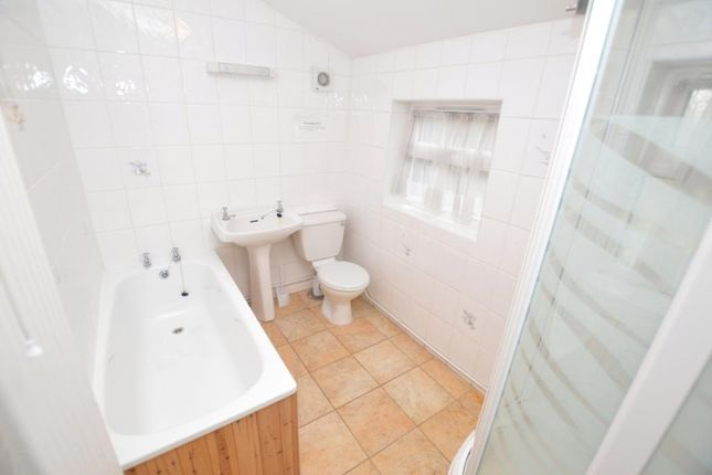 Bathroom of Belvedere Road, Taunton, Somerset TA1