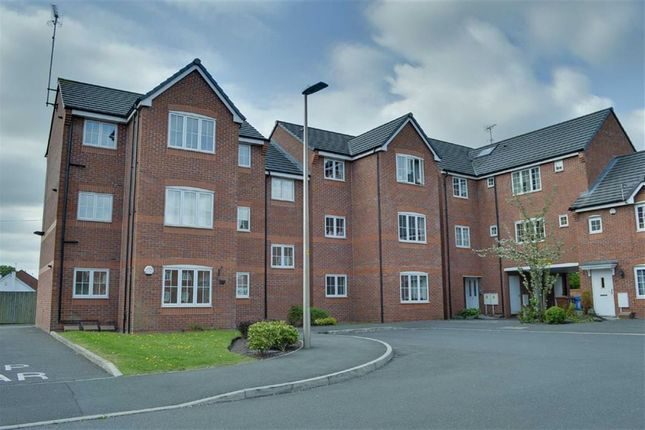 Thumbnail Flat to rent in Brentwood Grove, Leigh, Lancashire