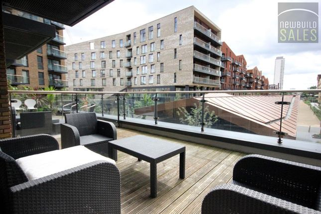 Thumbnail 3 bed flat for sale in Marine Wharf, Seafarer Way, Surrey Quays, London