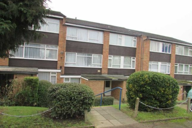 Thumbnail Maisonette to rent in Ashdown Drive, Borehamwood