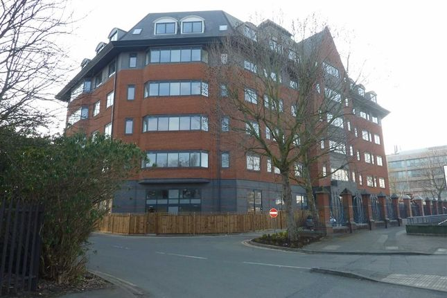 1 bed flat to rent in Verona Apartments, Slough, Berkshire