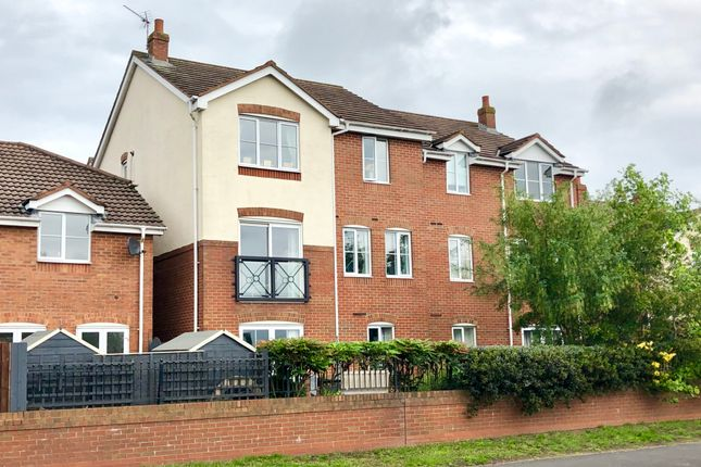 Thumbnail Flat for sale in Cygnet Drive, Tamworth