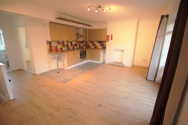 1 bed flat to rent in Ricardo Street, London