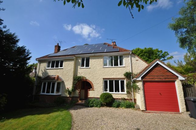 Thumbnail Detached house to rent in Fullers Road, Rowledge, Farnham