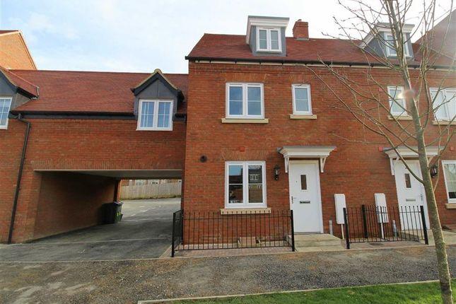 Thumbnail Town house to rent in Needlepin Way, Buckingham, Milton Keynes