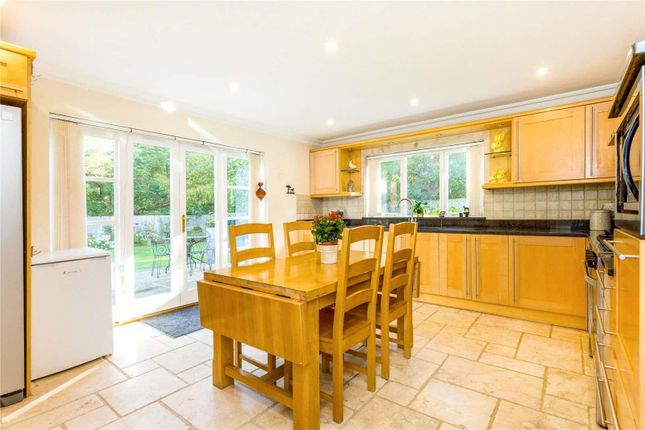 Thumbnail Detached house for sale in London Road, Harlow