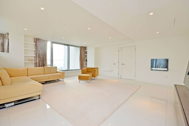 Thumbnail Flat to rent in Pan Peninsula, Canary Wharf