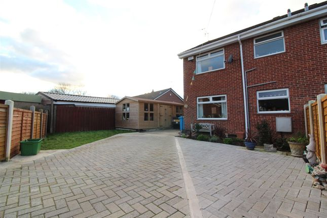 Thumbnail End terrace house for sale in The Queensway, Hull
