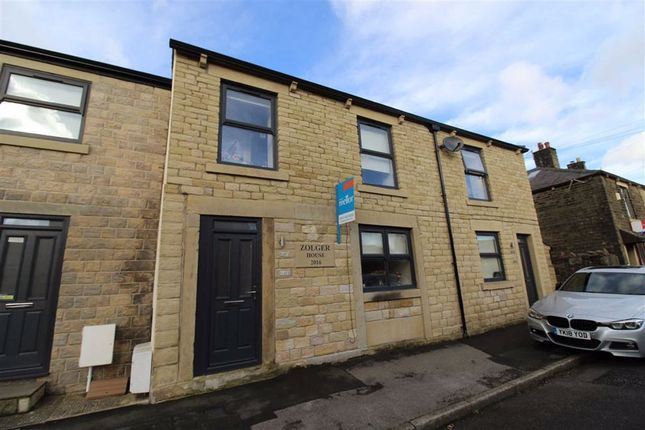 1 bed flat to rent in Wood Street, Glossop, Derbyshire SK13