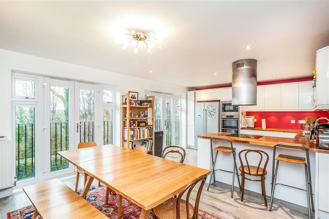 Thumbnail Detached house for sale in Dell Close, Chesham