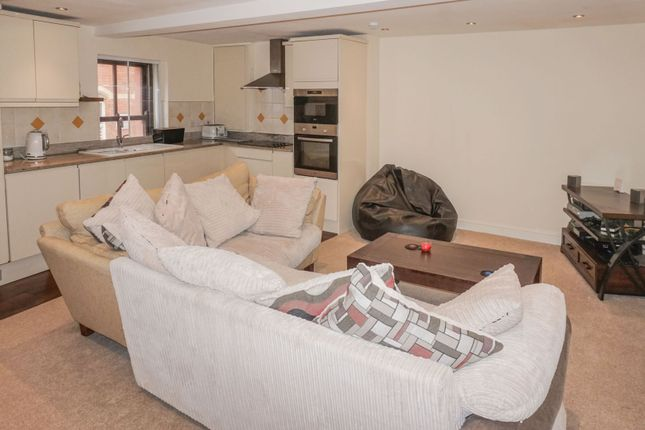 Lounge / Kitchen of 7-9 Bank Street, Wakefield WF1