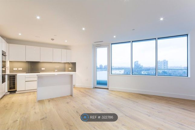 2 bed flat to rent in Lombard Wharf, London