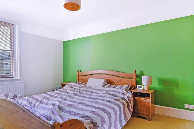 Bedroom of Kempshott Road, London SW16