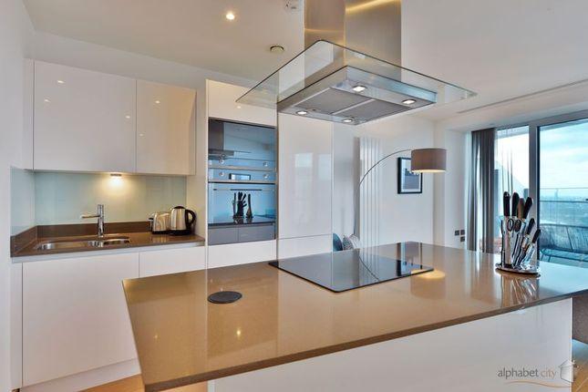 Kitchen of 25 Crossharbour Plaza, London E14