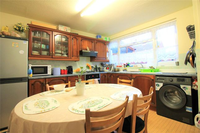 Thumbnail Town house to rent in Swan Road, Southall